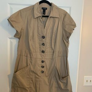 Tan dress with pockets!!